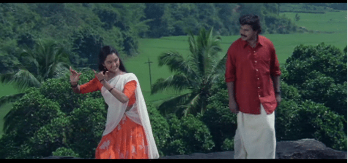 Paathira Pullunarnnu Lyrics