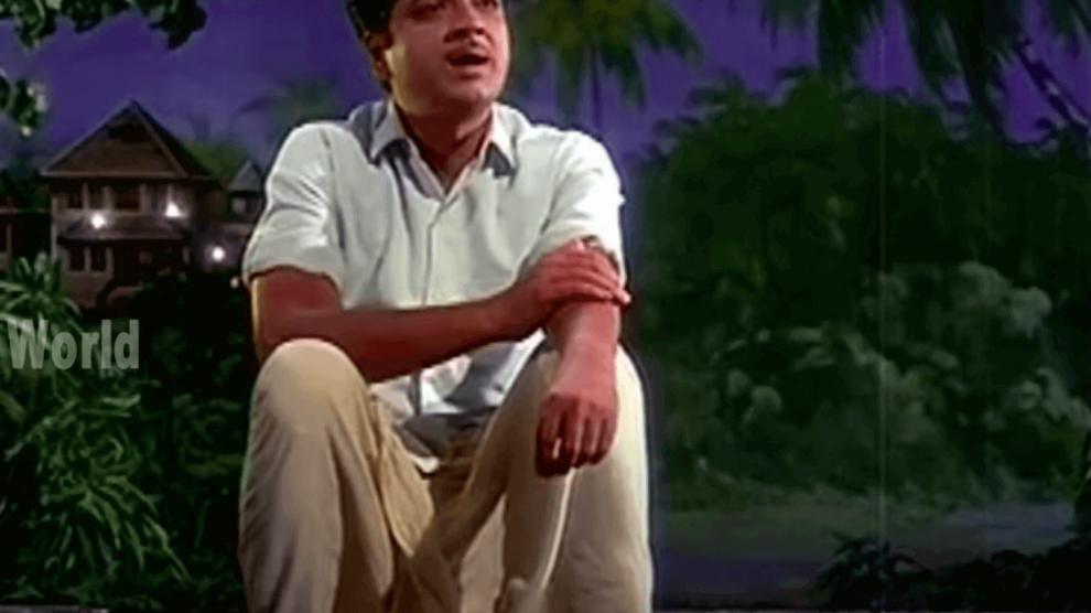 Aayiram Paadasarangal Lyrics